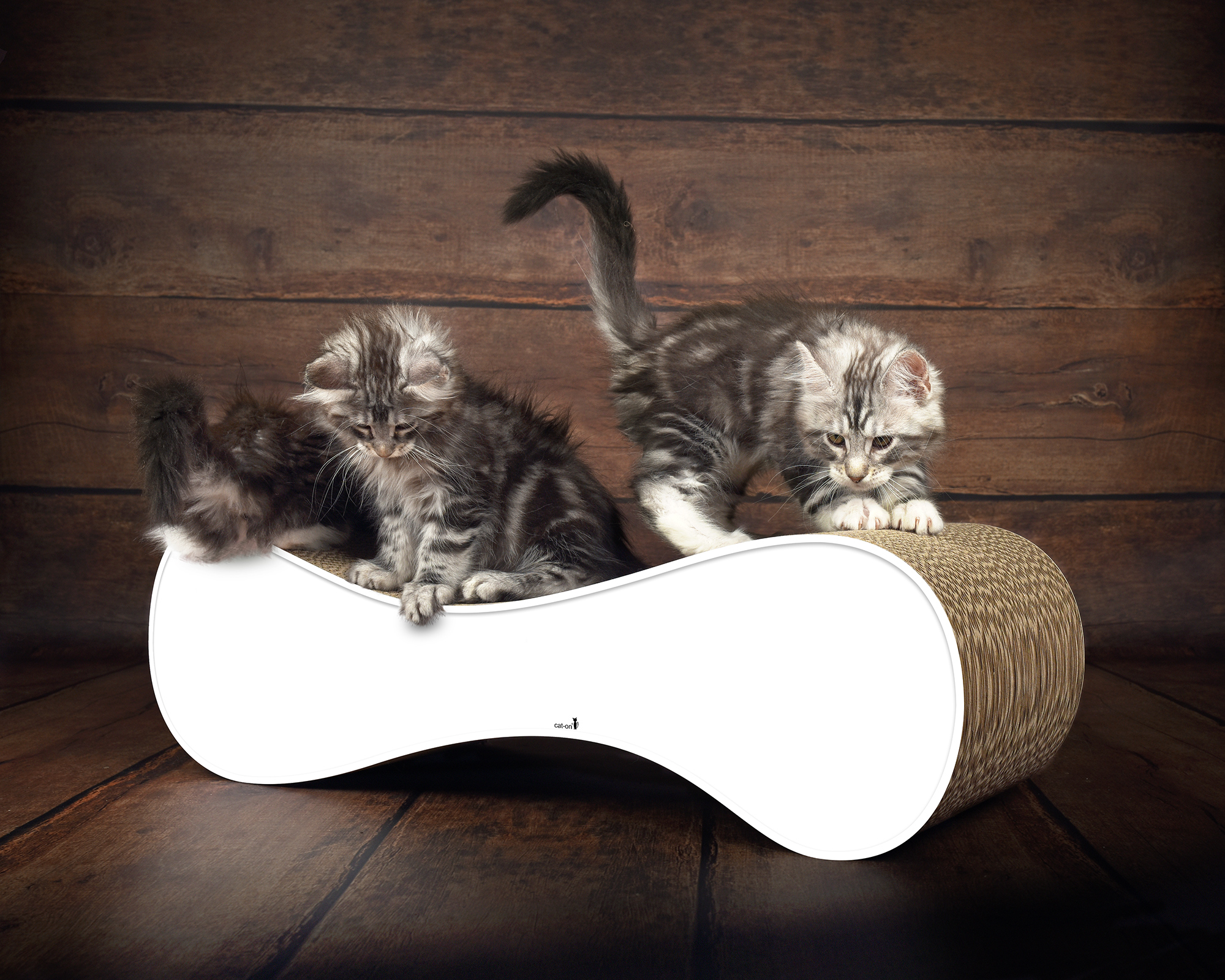 Meuble griffoir blanc pour chats Le Ver - durable, stable et ergonomique