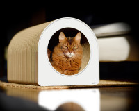 grand griffoir robuste et design blanc  pour chats Le Tube L